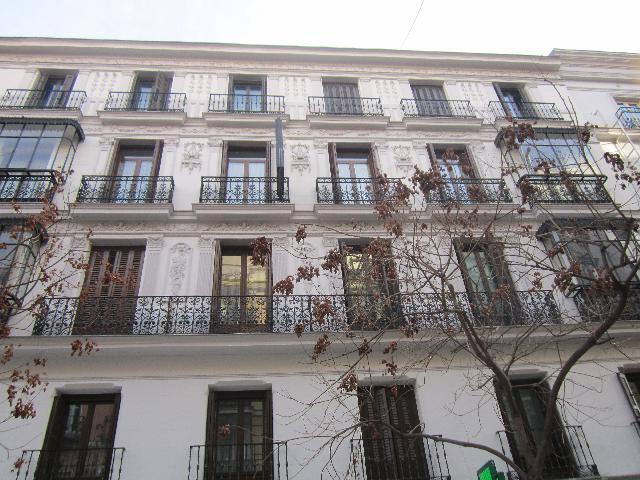 Imagen 1 Inmueble 238197 - Piso en venta en Madrid / Al lado de Gran Via