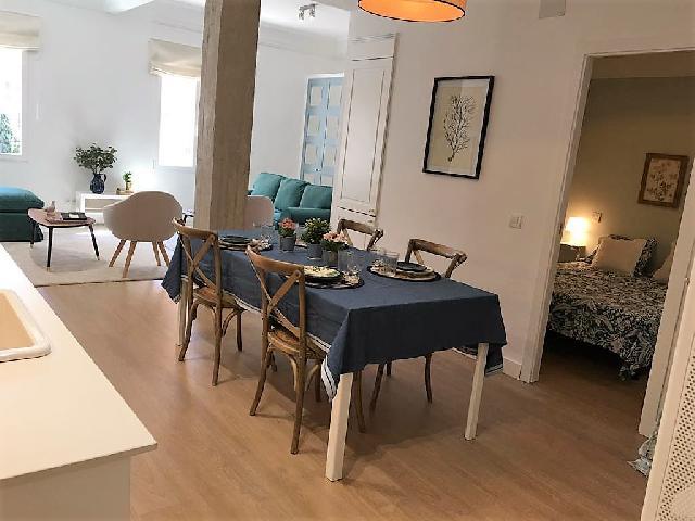 Imagen 1 Inmueble 243141 - Piso en venta en Madrid / Almagro, chamberi, exterior, 3 habitac.2 baños,