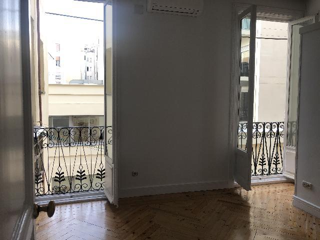 Imagen 1 Inmueble 247126 - Piso en venta en Madrid / Al lado del Parque del Retiro