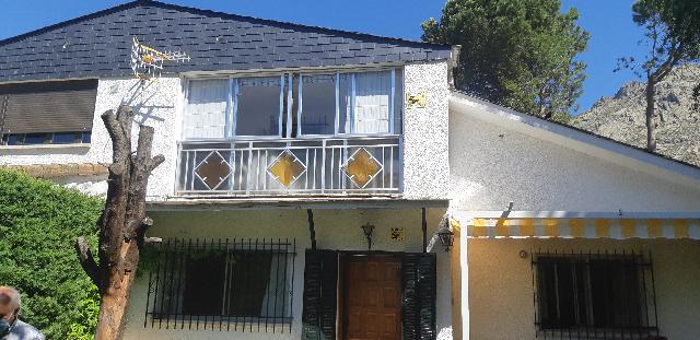 Imagen 1 Inmueble 251052 - Casa Adosada en venta en Bustarviejo / Al lado de la Cabrera