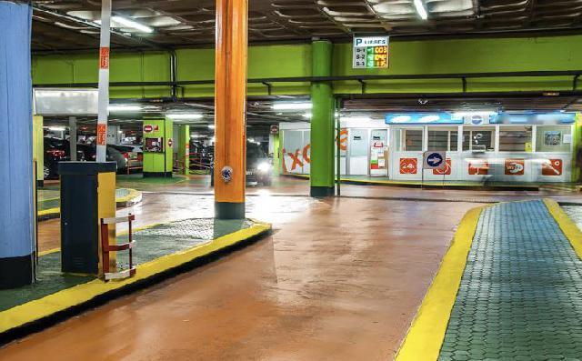Imagen 1 Inmueble 25628 - Parking Coche en venta en San Sebastián / Parking Txofre - Gros- 1ª planta