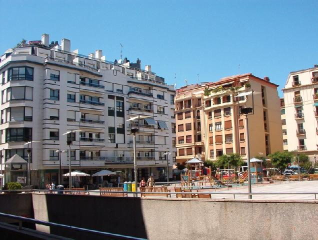 33180 - Plaza Nafarroa Beherea-GROS-Donostia