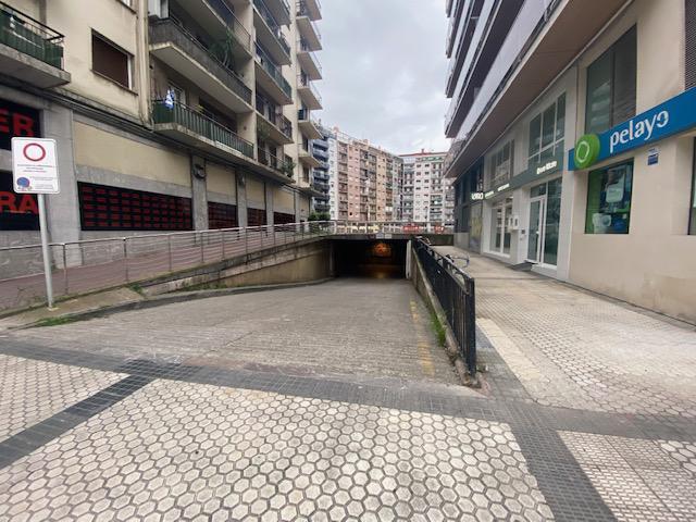 Imagen 3 Local Industrial en venta en San Sebastián / Isabel ll-Amara-Donostia-Sótano acceso por rampa