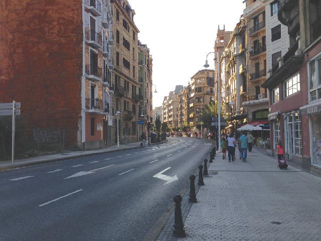 98983 - C/ Miracruz. A pie de calle . Magnífica zona