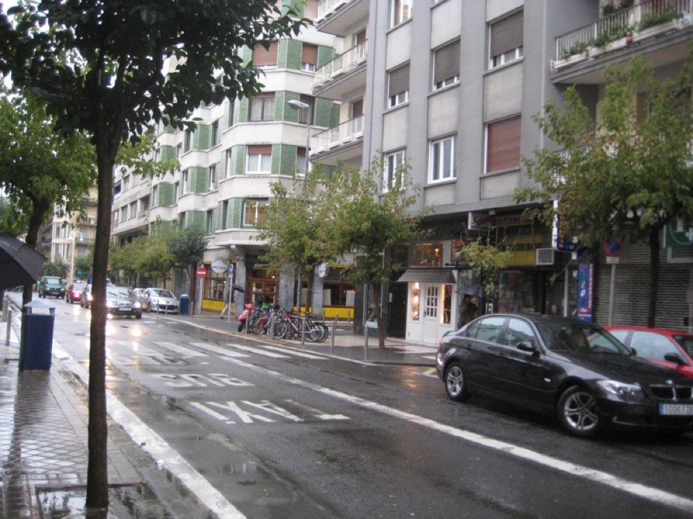 Imagen 2 Local Comercial en venta en San Sebastián / Gros-Local apto para cualquier negocio-Zona de paso