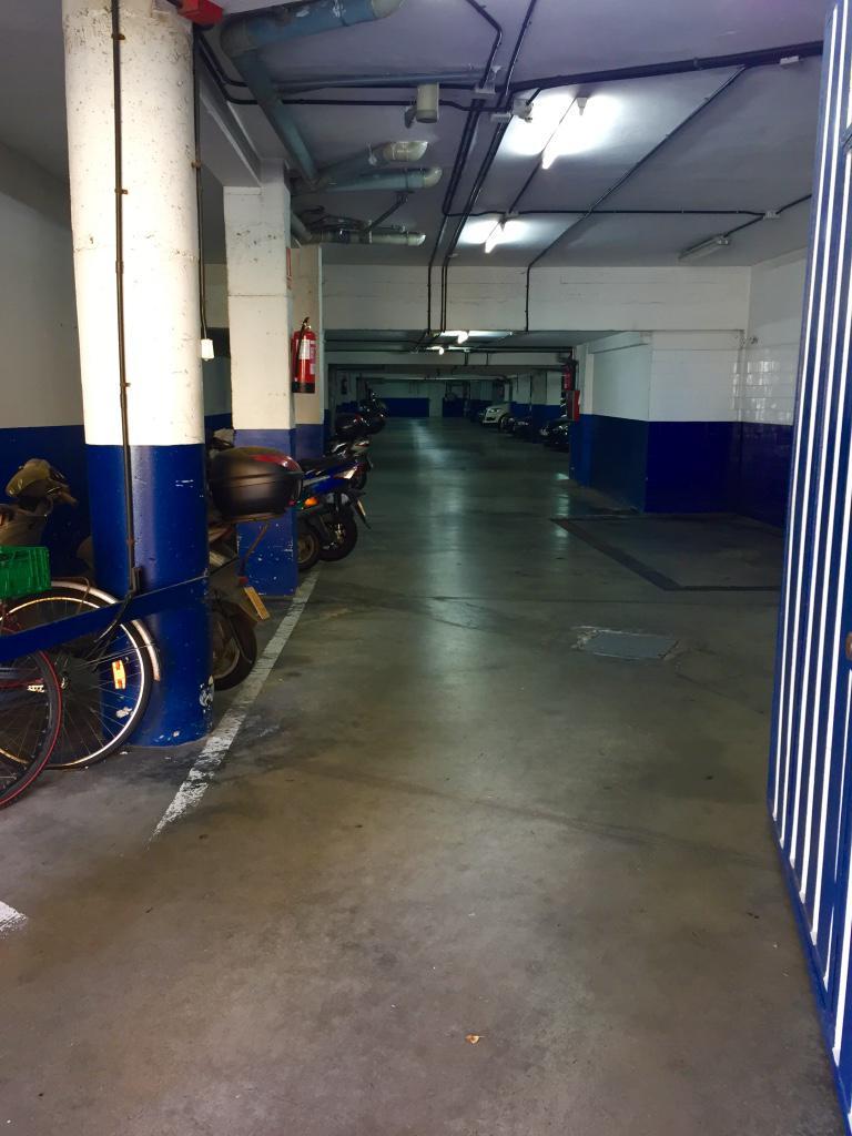 Imagen 4 Parking Coche en venta en San Sebastián / Paseo Zarategi-Intxaurrondo-Donostia