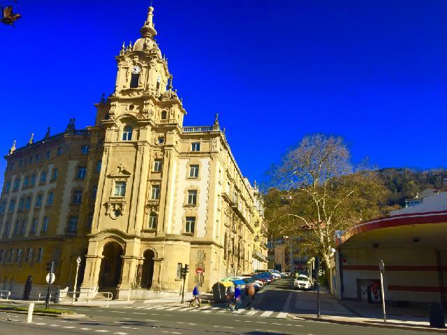 Imagen 1 Inmueble 203898 - Local Comercial en venta en San Sebastián / San Blas-Sagües playa-Donostia-San Sebastián