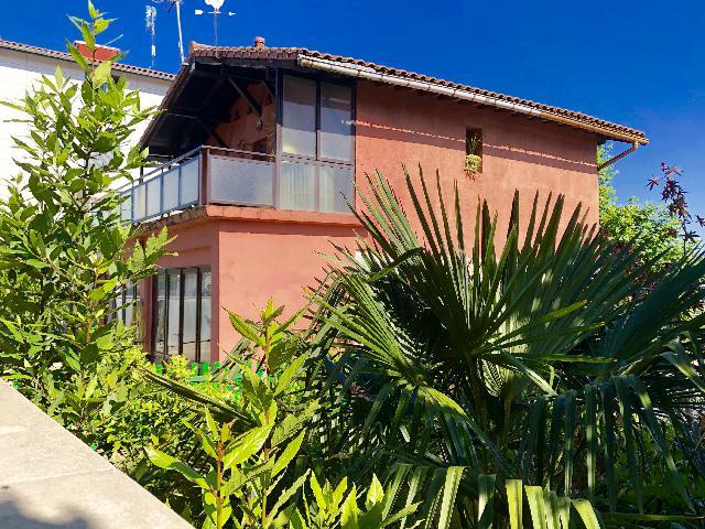 Imagen 1 Inmueble 210688 - Casa en venta en San Sebastián / Calle Julimasene-Donostia-San Sebastián