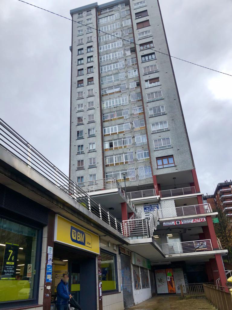 Imagen 1 Local Comercial en venta en San Sebastián / Alza. Junto a Bm. 40 m2. Excelente ubicación.
