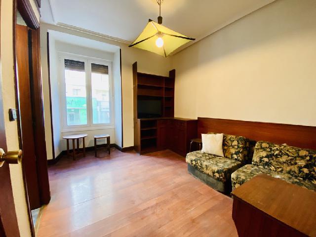 Imagen 1 Inmueble 245351 - Piso en venta en Donostia-San Sebastián / Gran Vía, esquina con Zabaleta-Gros Zurriola-Donostia