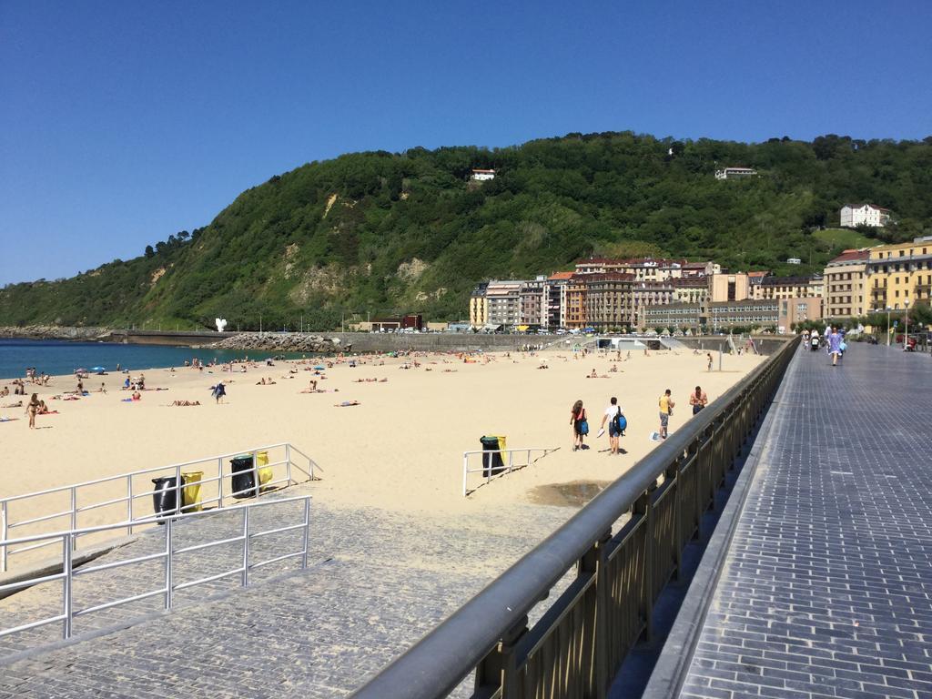 Imagen 1 Piso en venta en Donostia-San Sebastián / Calle Zabaleta-Playa de la Zurriola-Donostia