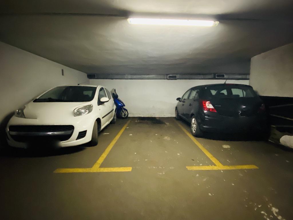 Imagen 3 Parking Coche en venta en Donostia-San Sebastián / José Arana-Gros-Donostia