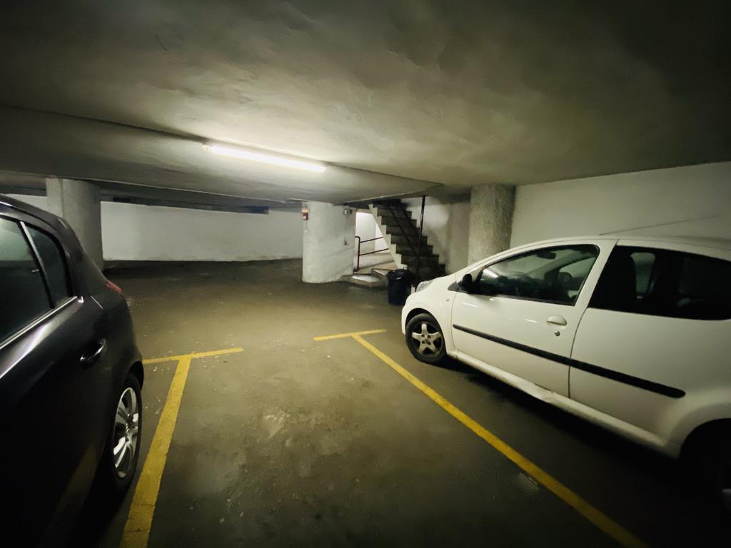 Imagen 1 Parking Coche en venta en Donostia-San Sebastián / José Arana-Gros-Donostia