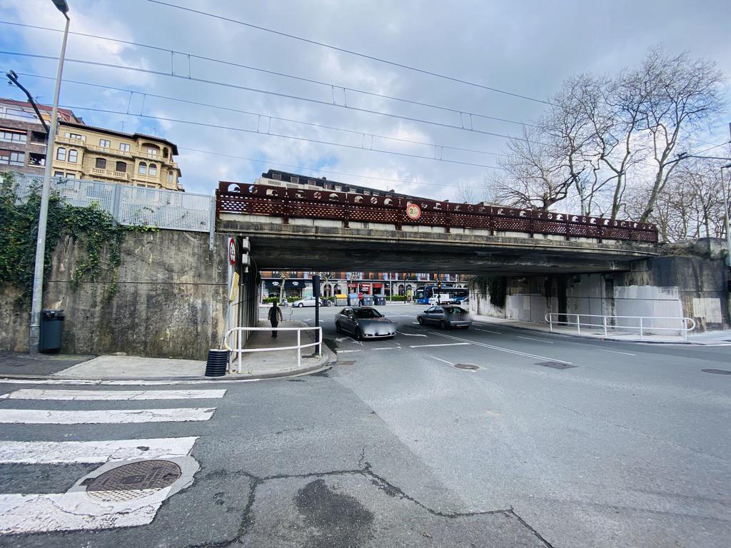 Imagen 2 Parking Coche en venta en Donostia-San Sebastián / Calzada de Eguia-Eguia Jai-alai-Donostia