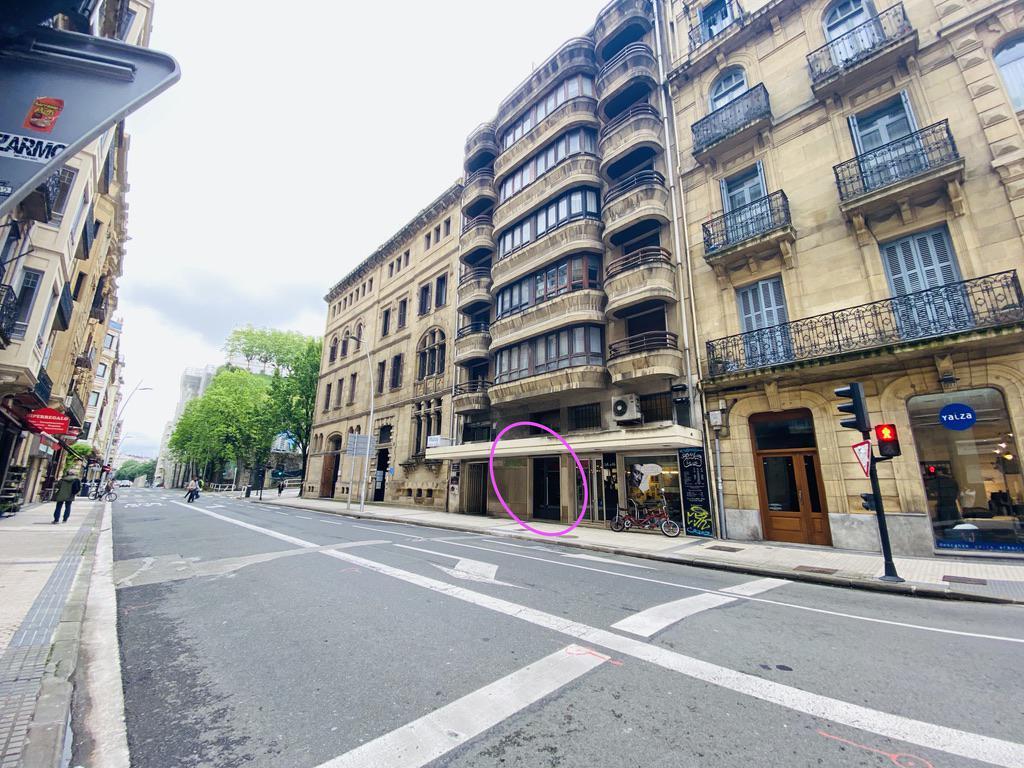 Imagen 2 Local Comercial en alquiler en Donostia-San Sebastián / Calle Easo-Centro-Donostia