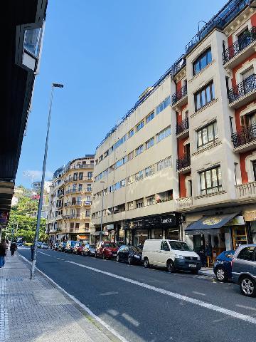 Imagen 1 Inmueble 248043 - Piso en venta en Donostia-San Sebastián / Gran Vía-Ático con terraza-Donostia