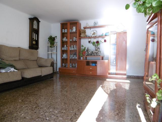 Imagen 1 Inmueble 197533 - Casa Aislada en venta en Ontiñena / Zona residencial cercana a campo fútbol y colegio
