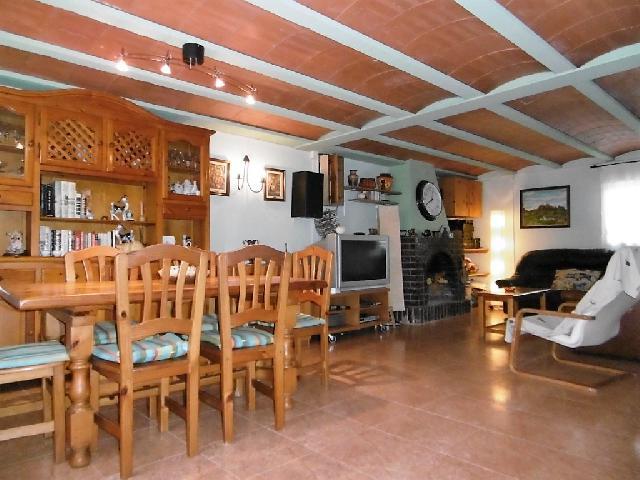 Imagen 1 Inmueble 203001 - Casa en venta en San Miguel Del Cinca / Barrio Nuevo de Santalecina.