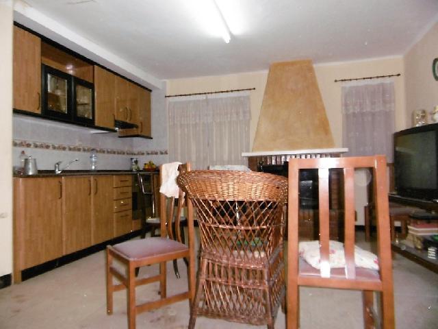Imagen 1 Inmueble 216772 - Casa en venta en Alcolea De Cinca / Calle Mayor, cerca de Plaza Neptuno