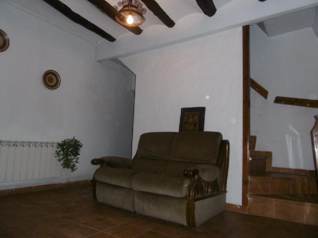 Imagen 1 Inmueble 232625 - Casa en venta en Castejón Del Puente / En el centro de la población, junto a Plaza Mayor.