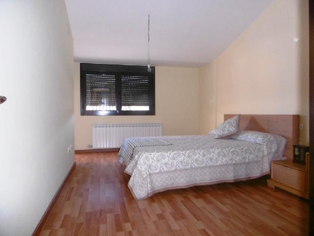 Imagen 1 Inmueble 236675 - Casa Adosada en venta en Almunia De San Juan / Zona Residencial de La Almunia de San Juan