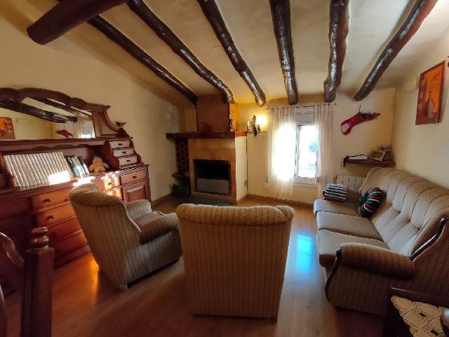Imagen 1 Inmueble 243980 - Casa en venta en Albelda / Cerca de las piscinas