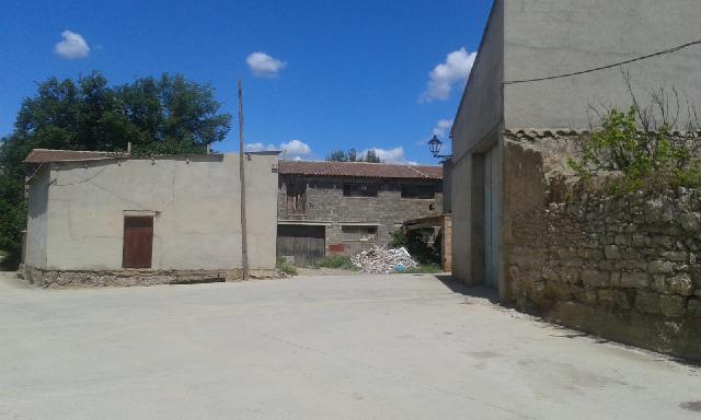 Imagen 1 Inmueble 246593 - Casa en venta en Azanuy-alins / Frente a las Piscinas Municipales