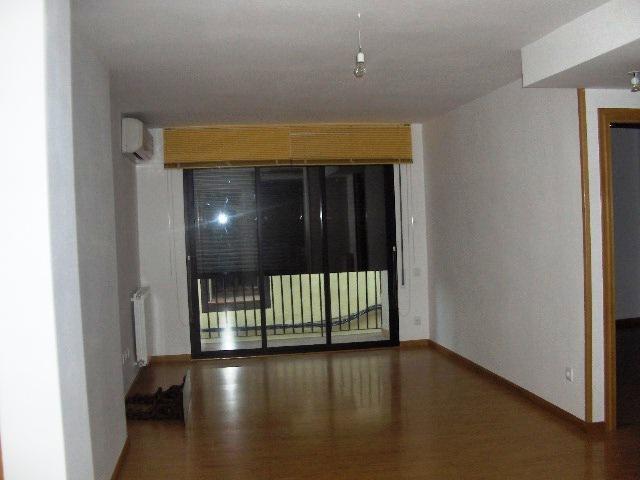 33251 - Situado en la calle principal del centro de Barbastro