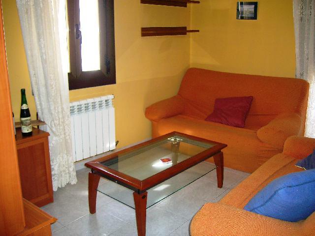 Imagen 1 Inmueble 66331 - Casa Rústica en venta en Estadilla / Al lado de la Plaza.