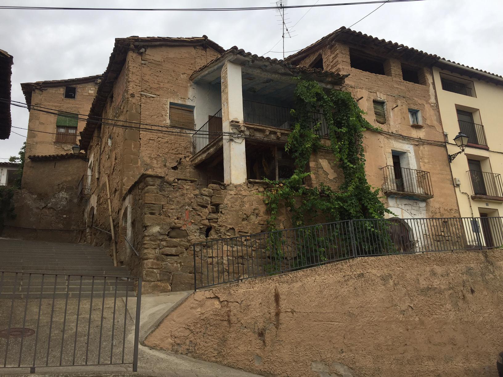 Imagen 1 Casa Adosada en venta en Pozán De Vero / Junto al ayuntamiento en Huerta de Vero