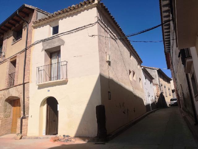 Imagen 1 Inmueble 233897 - Casa en venta en Azara / Al lado de la plaza del pueblo