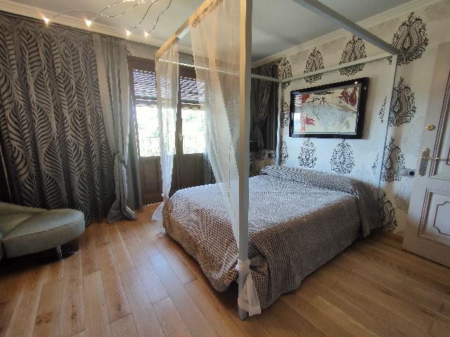 Imagen 1 Inmueble 241859 - Casa Adosada en venta en Alquézar / Situado en la parte alta de Alquezar