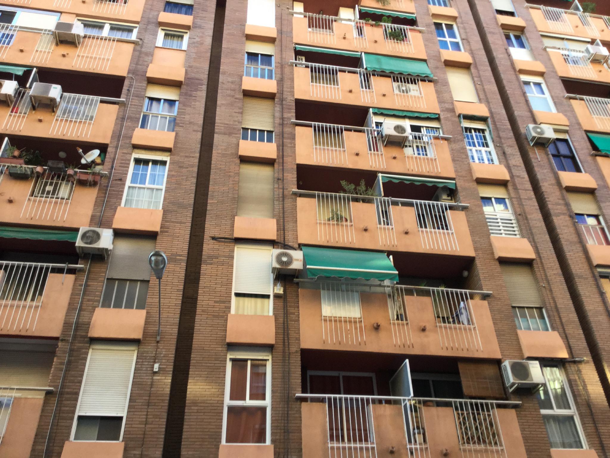 151250 - Junto plaza Patraix y calle Cuenca
