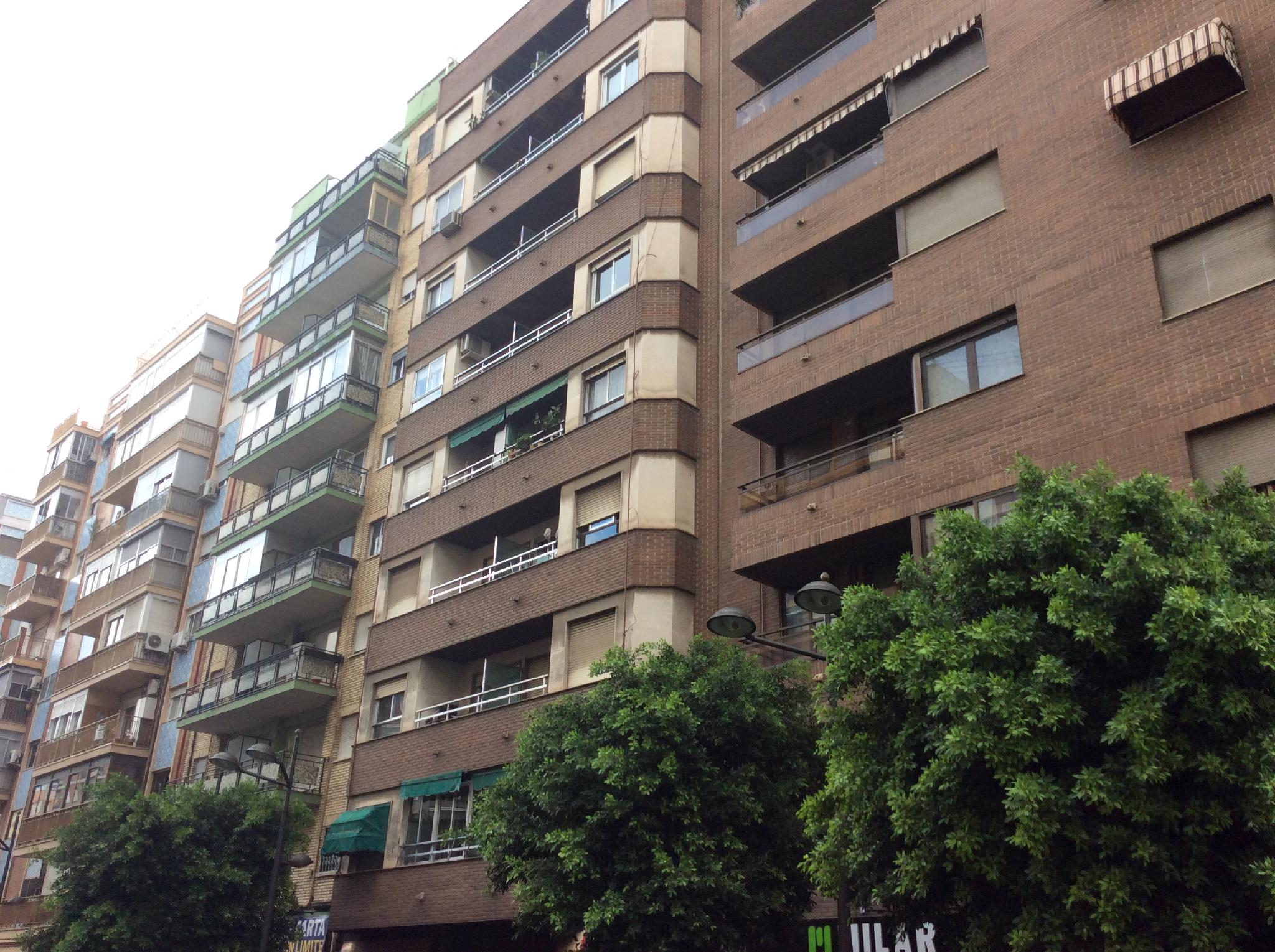 167822 - Junto a General Urrutia y frente a calle Luis Santangel