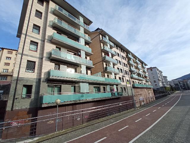 Imagen 1 Inmueble 85155 - Piso en venta en Eibar / Zona     centro