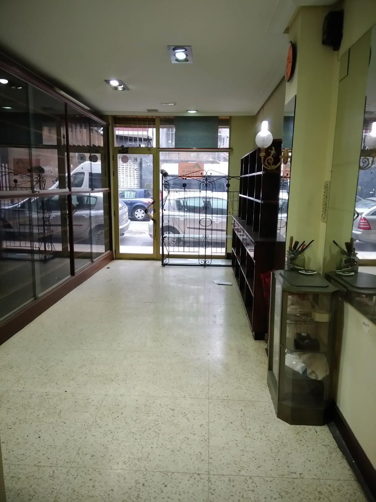 Imagen 1 Local Comercial en alquiler en Eibar / Zona cerca del centro