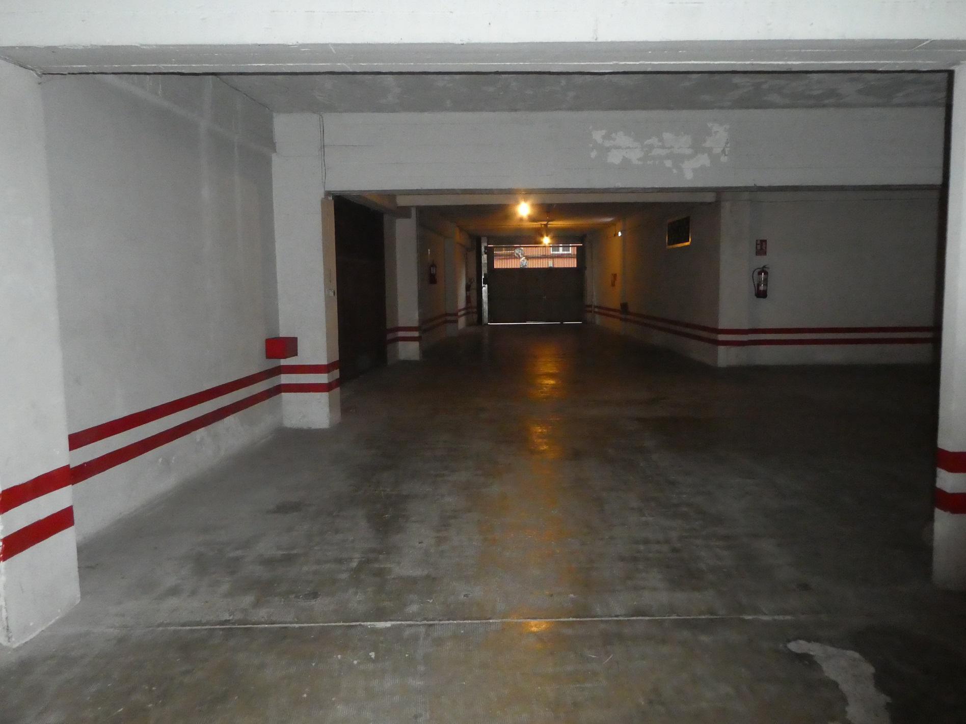 Imagen 2 Parking Coche en venta en Eibar / Zona Ipurua - Isasi