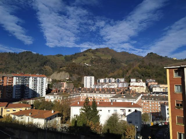 Imagen 1 Inmueble 244390 - Piso en venta en Eibar / Zona     Ipurua