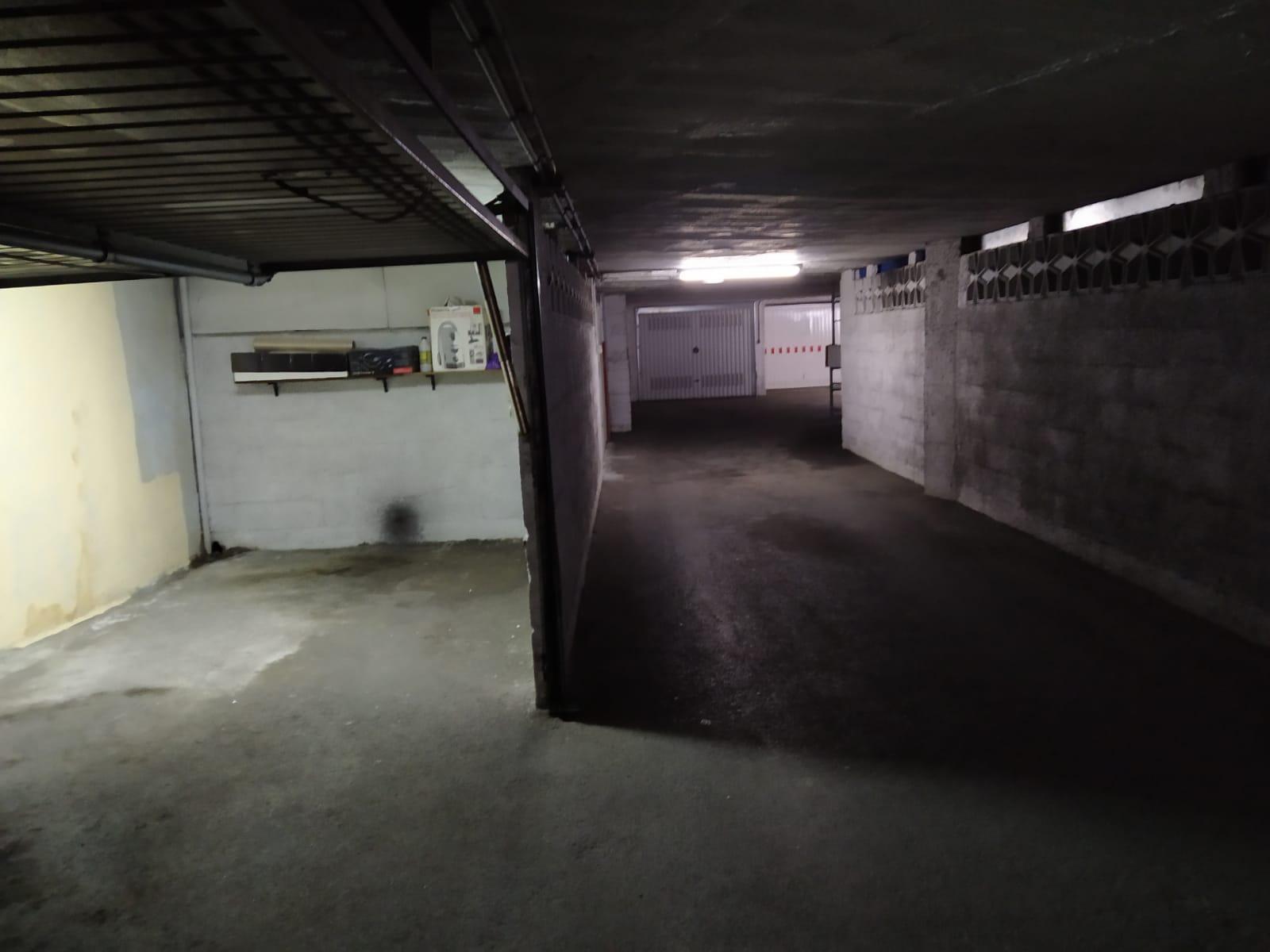 Imagen 1 Parking Coche en venta en Eibar / Zona Ipurua - Abontza