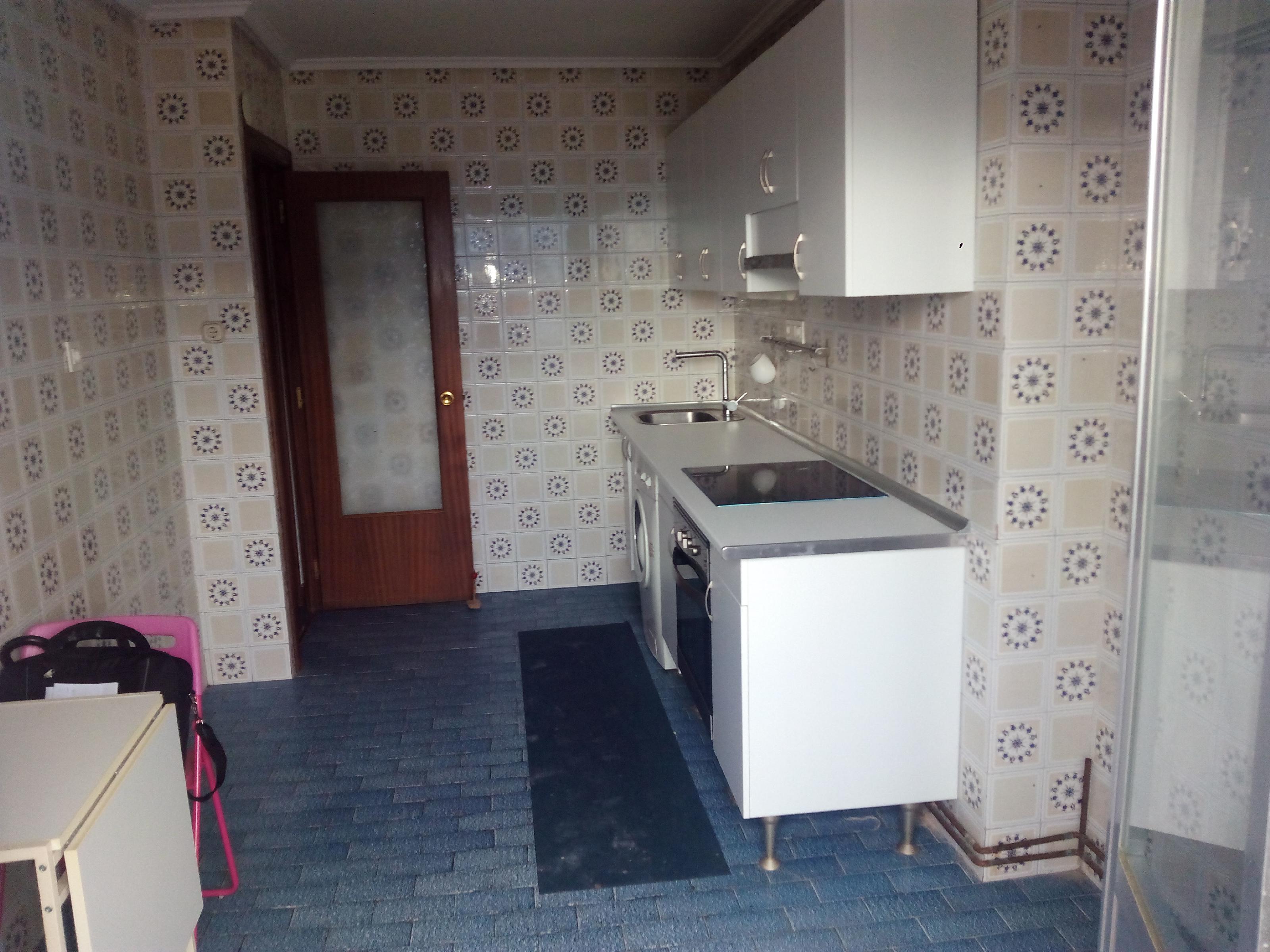 Imagen 2 Piso en venta en Eibar / Zona       Urki