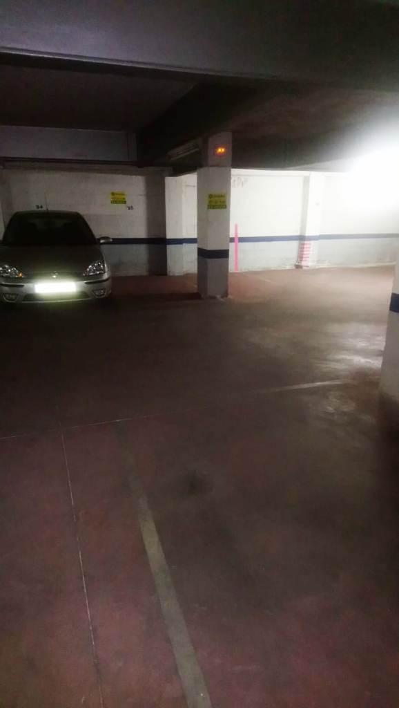 Imagen 3 Parking Coche en venta en Lleida / Zona alta, carrer Sants i Ribes 5