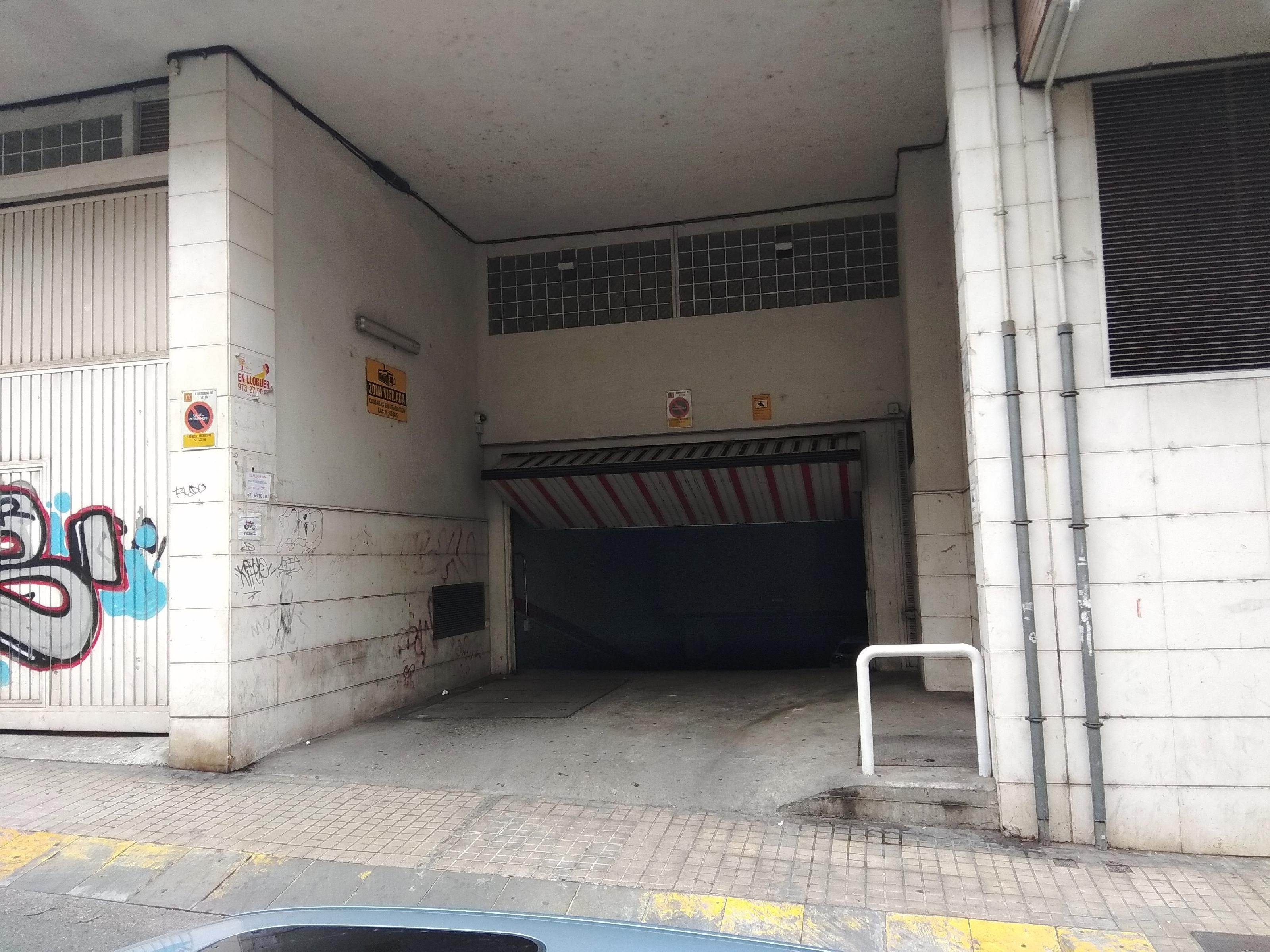 Imagen 2 Parking Coche en venta en Lleida / Junt a Lluís Companys