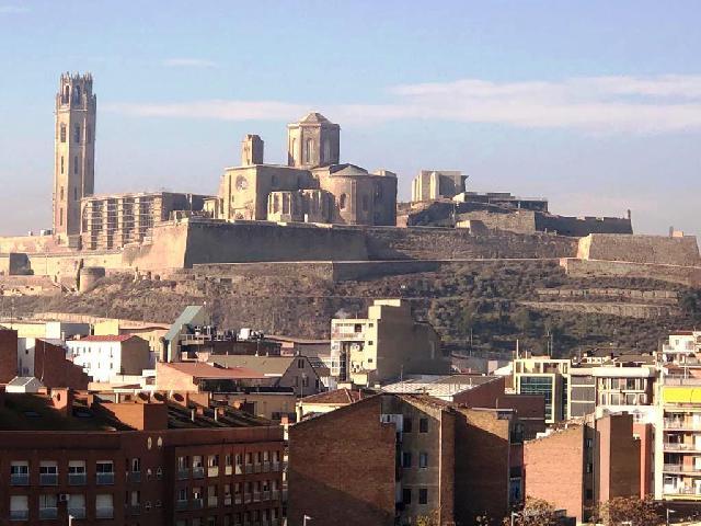 Imagen 1 Inmueble 233057 - Piso en venta en Lleida / Zona Pardinyes.