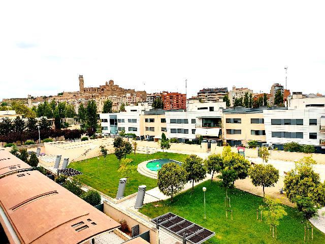Imagen 1 Inmueble 241220 - Piso en venta en Lleida / Junt als Camps Elisis