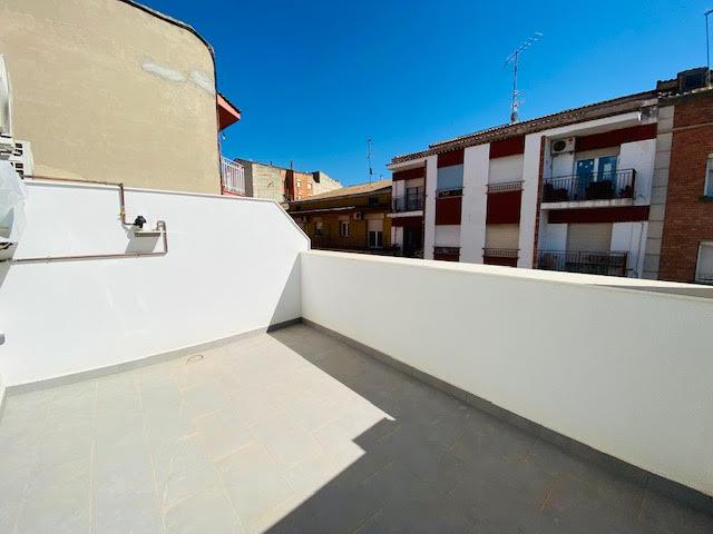 Imagen 1 Inmueble 253457 - Ático en alquiler en Lleida / Junt a Passeig de Ronda.