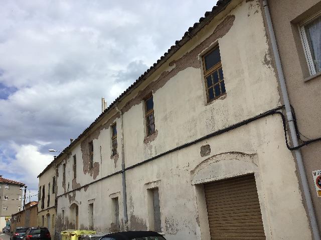 Imagen 1 Inmueble 225803 - Solar Urbano en venta en Sant Fruitós De Bages /  Delante de la plaza del mercado