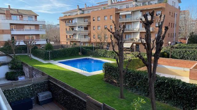 Imagen 1 Inmueble 235247 - Piso en venta en Sant Cugat Del Vallès / Gran Piso Zona Colegio Europa
