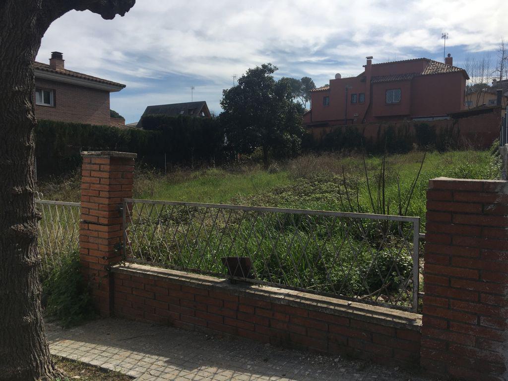 Imagen 1 Solar Urbano en venta en Sant Cugat Del Vallès / Valldoreix - Av Madrid