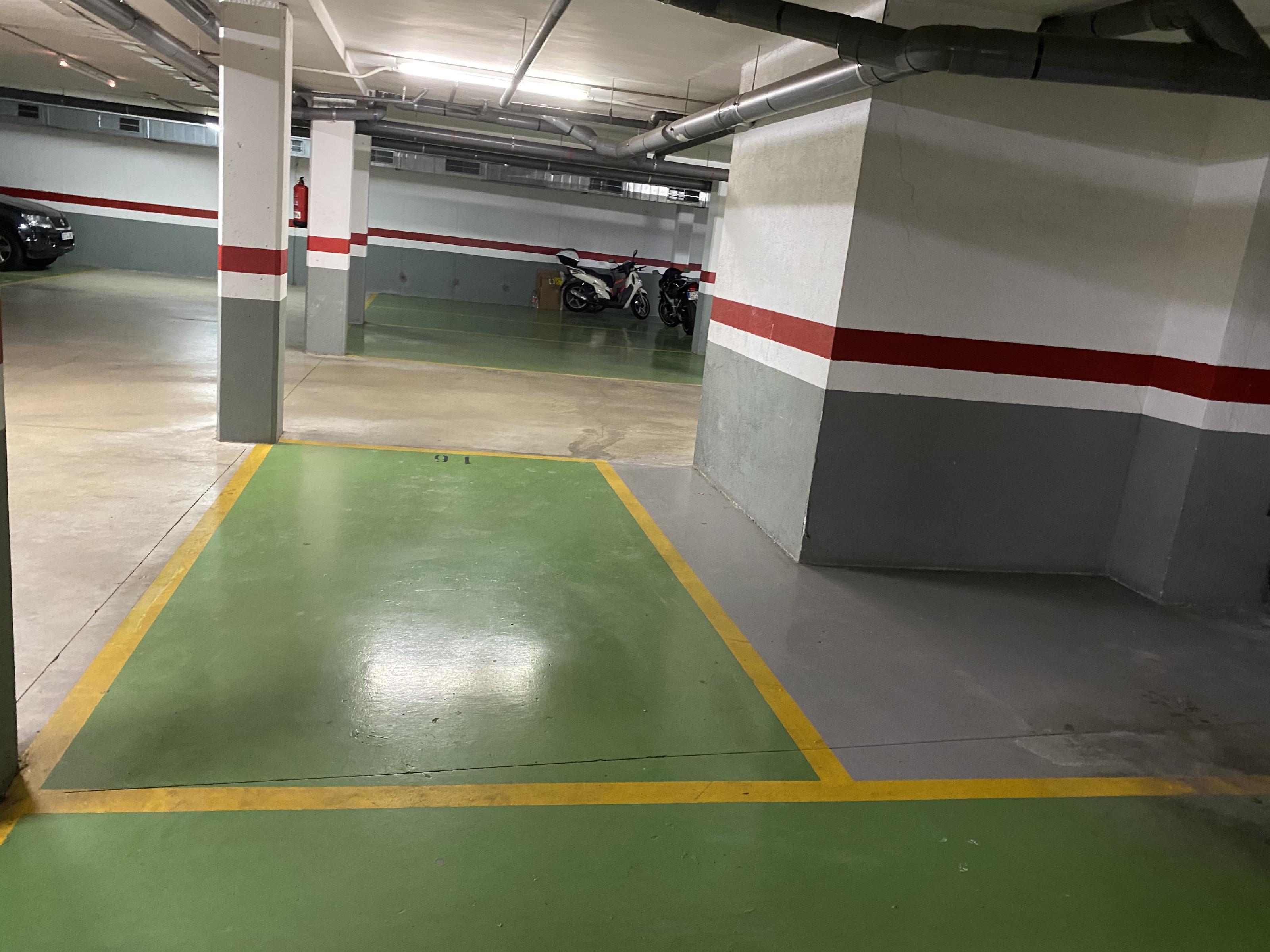 Imagen 1 Parking Coche en venta en Sant Cugat Del Vallès / Coll fava condis - Pont de Can Vernet