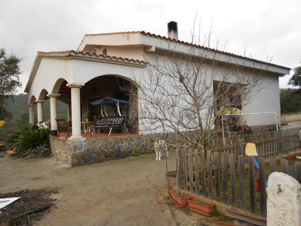 Imagen 1 Casa Rústica en venta en Lloret De Mar / Masies de Lloret, 5.000 m² de Parcela con piscina